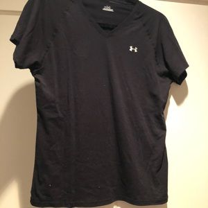 FinishLine Under Armour Top